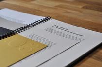 travail autour du format - découpes - gaufrages - papiers variés | Amandine Bouchereau