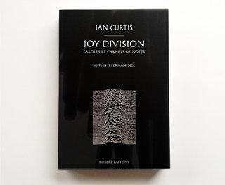 JOY DIVISION (Robert Laffont)