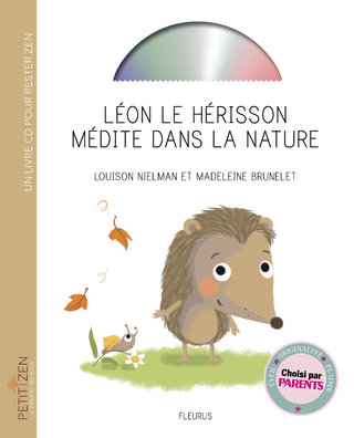 Léon le hérisson médite dans la nature
