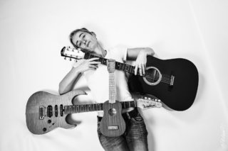 Guitarist (2)